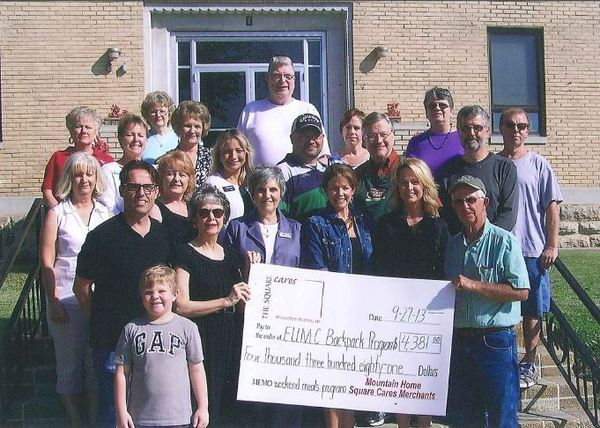 Mountain Home Merchants donate to Backpack Program